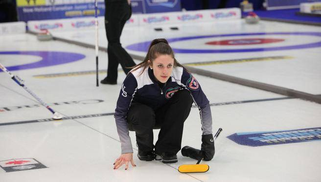 Jones leads women's pool in Canadian Junior Curling